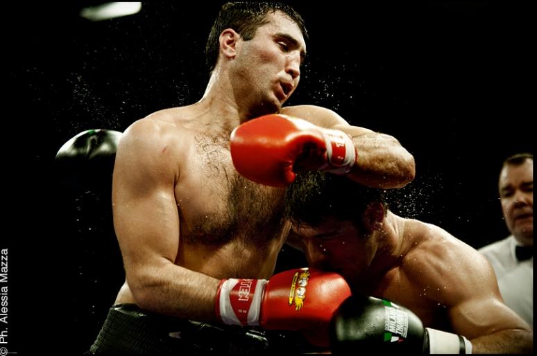 Clemente RUSSO VS Haji MURTUZALIYEV - World Series Of Boxing